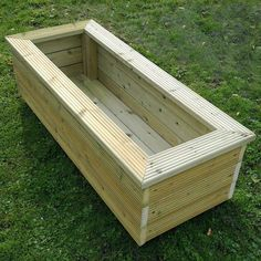 Trough style planter - ignore the ridged boards! Trough style planter - ignore the ridged boards! Large Garden Planters, Deck Planters, Wooden Planters, Planter Box Plans, Planter Boxes, New Patio Ideas, Garden Ideas, Outdoor Ideas, Backyard Ideas