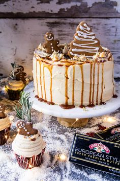 gingerbread-cake-with-caramel-cream-cheese-buttercream-10