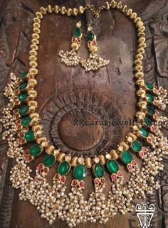 35 Trendy ideas for jewerly statement necklace womens clothes India Jewelry, Pearl Jewelry, Antique Jewelry, Gold Jewelry, Beaded Jewelry, Jewelery, Temple Jewellery, Trendy Jewelry, Simple Jewelry