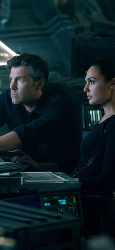 Ben Affleck And Gal Gadot In Justice League Iphone XS,Iphone X HD Wallpapers, Images, Backgrounds, Photos and Pictures Wonder Woman Art, Gal Gadot Wonder Woman, Superman Wonder Woman, Batman And Superman, Ben Affleck Bruce Wayne, Ben Affleck Batman, Iphone 10, Great Expectations Movie, Zack Snyder Justice League