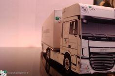 Paper model of a DAF New XF Euro 6 from www.bouwplaatvanjeeigentruck.nl.
