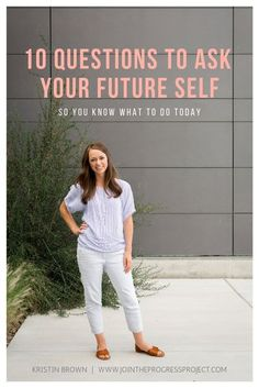 It can be surprisingly powerful to learn to access your future self on a regular basis through journaling. You'll be amazed by what you learn! Click through for 10 questions to ask your future self and a free guide with even more tools on becoming the ideal future you. #futureself #journalingprompts #journalingquestions #writingprompts Favorite Questions, Fun Questions To Ask, Life Questions, Finding Purpose, Finding Joy, Finding Yourself, What To Do Today, How To Find Out, Self Goal