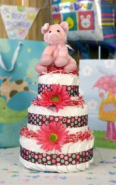 piggy diaper cake