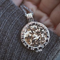 A twinkle of gold. ✨ #AppeltsDiamonds #MiMoneda #Gold #Love #Glam #Interchangeable #silver #Gold