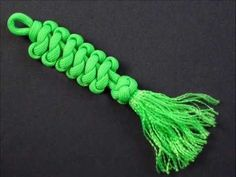 How to Make An Emperor's Snake Knot (Key Fob) by TIAT