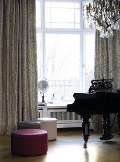 Ткани в коллекции La Traviata от немецкого бренда Sahco в сети салонов Piterra
