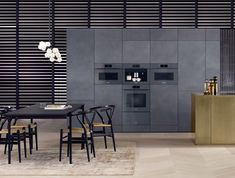 The Miele ArtLine offers fitted design kitchens with and SoftOpen Technology! The handless Design-Line from Miele Germany. Modern Kitchen Design, Interior Design Kitchen, Kitchen Decor, Kitchen Ideas, Stylish Kitchen, Brass Kitchen, Design Bathroom, Diy Interior, Arquitetura