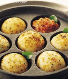Traditionally, appes are made with rice and a little urad dal—as shown in this recipe. Crushed peanuts enhance the flavour and texture of theappe, while the tempering gives it an essential boost. Serve rice appe fresh and hot, with tangy tomato chutney.