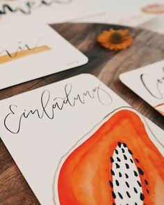 "Tanja von Die Handletterei on Instagram: ""#handletteringmeetsillustration 📖 #funwithfruit >>> #invitationideas #letteringdiy #watercolordiy #einladungskarten #einladungen . . .…"""
