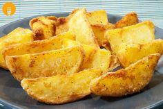 Si alguna vez habéis estado en un MacDonald´s seguro que os suenan las patatas que os proponemos en la receta de hoy. Las deluxe son uno de los productos e