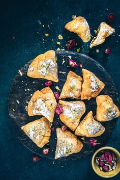 Mawa Samosa is a delightful Indian dessert which is served during festivals and even on auspicious occasions. Made from Khoya, it is a delightful treat! Indian Dessert Recipes, Indian Sweets, Indian Snacks, Indian Recipes, Holi Recipes, African Recipes, Snacks Recipes, Easy Snacks, Dessert Ideas