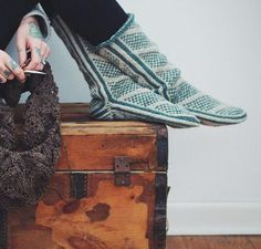 Wanderers Modern Mukluks Knitting Kit by Andrea Mowry featuring Cloudborn Highland Worsted Yarn | Craftsy