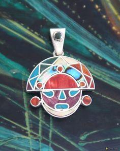 """Amulett Uma mit dem Abbild des Kopfes von """"Gott Tumi"""" (Naylamp) mit vielen leuchtenden Halbedelsteinen- und Muschelinlays"""
