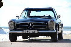 Mercedes Benz 230sl Pagoda.