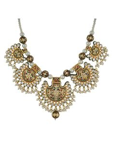 This jewellery is the perfect adornment for all special occasions. A wonderful gift for a loved one. Keep it away from water, perfumes, creams and other chemicals, clean it with soft cloth.