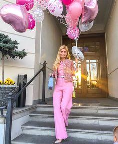 Karolina Franek (@karola_franek) • Instagram photos and videos Capri Pants, Photo And Video, Suits, Elegant, Spring, Videos, Photos, Instagram, Fashion