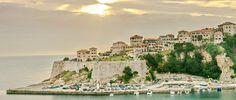 La più antica del Mar Adriatico (oltre 2000 anni) Ulcinj, in italiano tradotto come Dulcigno, è la città più meridionale della costa montenegrina. Le influenze dell'Oriente e della civiltà occidentale hanno lasciato una traccia significativa su questa splendida città. Il legame con l'Albania è evidente non solo da un punto di vista geografico (si dividono …