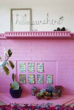 bright pink bricks #decor #rosa #pink #fireplace #bricks