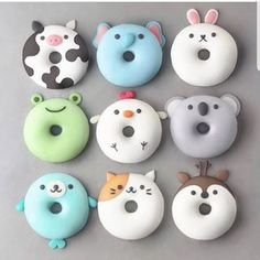 With this collection of donuts you will receive suggestions for donut recipes. Probi The post With this collection of donuts you will receive suggestions for donut recipes. Probi appeared first on Dessert Factory. Desserts Végétaliens, Dessert Recipes, Disney Desserts, Kreative Desserts, Cute Donuts, Donuts Donuts, Mini Donuts, Fried Donuts, Cute Baking