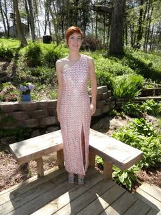 Maura Pozek=Prom Dress of Pop tabs and ribbon Diy Party Dress, Pop Can Tabs, Can Tab Crafts, Geek Crafts, Recycled Fashion, Prom Dresses, Summer Dresses, Couture, Diy Clothes