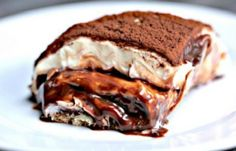 Learn how to make this mouthwatering Nutellamisu, that's right - Nutella tiramisu. This combination of bitter coffee and creamy chocolate in one dessert will. Italian Desserts, Just Desserts, Italian Recipes, Dessert Recipes, Cake Recipes, Tiramisu Nutella, How To Make Nutella, Food Network Recipes, Cooking Recipes