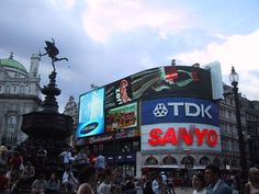 Londoncircus - West End of London - Wikipedia, the free encyclopedia