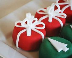 I think, after sugar cookies, petit fours are my new favorite thing to do.They lend themselves so easily to my ideas. I seriously could have made a hundred of these... but no one likes fondant around here, so we (gasp!) just end up throwing them away.I just might be adventurous and try the