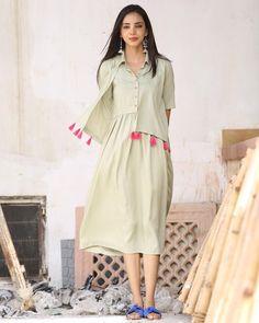 Beautiful cotton Kurta in jacket style with detailing Sabyasachi, Lehenga, Anarkali, Sarees, Casual Frocks, Casual Dresses, Indie Mode, Summer Dress Patterns, Kurta Designs Women
