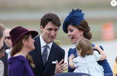 Le prince William, duc de Cambridge, et Kate Middleton, duchesse de Cambridge, sont arrivés le 24 septembre 2016 à Victoria au Canada avec leurs enfants le prince George et la princesse Charlotte pour leur tournée officielle, accueillis notamment par le Premier ministre Justin Trudeau et son éposue Sophie (photo).