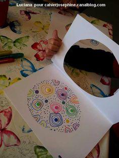 Un grand merci à Luciana qui, d'Italie, nous envoie ces magnifiques grands oeufs décorés par ses élèves pour réaliser une carte de
