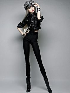 The wild one Brando barbie Bad Barbie, Barbie Model, Barbie Life, Barbie Fashionista Dolls, Diva Dolls, Doll Clothes Barbie, Barbie Dress, Fashion Royalty Dolls, Fashion Dolls
