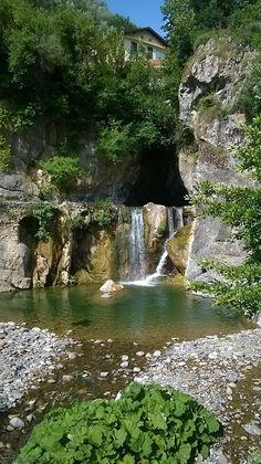 Cascade de Pigna, Italie.