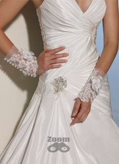 Sophia Tolli Wedding Dresses 2019 for Mon Cheri - Bridal Gowns Bridal Wedding Dresses, Designer Wedding Dresses, Bridal Style, Mon Cheri Bridal, Lace Cuffs, Bridal Salon, Ivory Dresses, On Your Wedding Day, Bridal Accessories