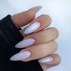 10 'Must-Try' Black and White Nails You Have to See! Edgy Nails, Neutral Nails, Stylish Nails, Swag Nails, Grunge Nails, Almond Acrylic Nails, Best Acrylic Nails, Long Almond Nails, White Almond Nails