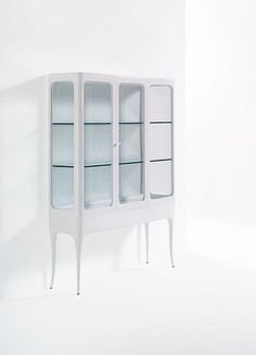 "Modern: Vitrine ""Hayon Collection"" von ArtQuitect"