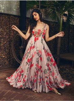 Dress Floral Gown 68 Ideas For 2019 Indian Gowns Dresses, Pakistani Dresses, Indian Long Gowns, Indian Long Frocks, Indian Dresses For Girls, Gowns For Girls, Long Gown Dress, The Dress, Dress Formal