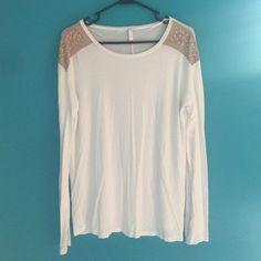 Pink blush jewel top Size large. Kind of wrinkled but will fix before sending out. No holes or stains. Pink blush Tops Tees - Long Sleeve