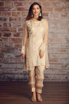 63 ideas bridal dresses pakistani shalwar kameez - 63 ideas bridal dresses pakistani shalwar kameez Source by - Kurta Designs, Blouse Designs, Pakistani Dresses Casual, Pakistani Dress Design, Stylish Dresses, Casual Dresses, Fashion Dresses, Women's Casual, Look Fashion