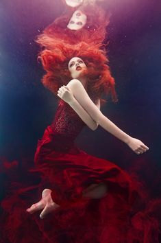 Photographer: Beth Mitchell Designer: Begitta Hair/Makeup: Kylie's Professional Model: Brooke Jamieson [redhead][red dress][underwater photography] Underwater Model, Underwater Art, Underwater Photography, Levitation Photography, Exposure Photography, Abstract Photography, Landscape Photography, Underwater Photoshoot, Underwater Wedding
