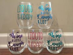 Are you making money with Cricut express? Vinyl craft hobbies are a great way to turn your passion into a side business. Check out these amazing ideas for the best Cricut vinyl projects that are… Daha fazlası Cricut Projects To Sell, Cricut Ideas, Diy Vinyl Projects, Cricut Project Ideas, Circuit Projects, Cricut Tutorials, Crafts To Make And Sell, Easy Diy Crafts, Christmas Crafts To Sell Make Money