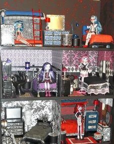 Tons of tutorials and pictures to make a Monster High dollhouse and furniure...many furniture tutorials are videos.