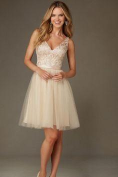 Modern Sleeveless Lace Tulle A-line V-neck Short/Mini Champagne Bridesmaid Dresses