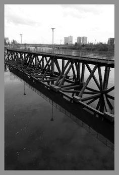 Foot bridge, Nantes, 2013