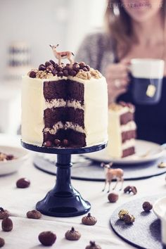 ... brownie buttercream cake with nuts and white chocolate glaze ...