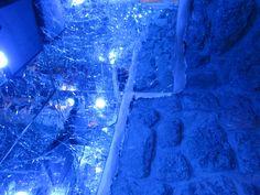 broken mirrored walls with blue lights Broken Mirror, Broken Glass, Mirrored Walls, Home Improvement, New Homes, Lights, Crystals, Shop, Crafts