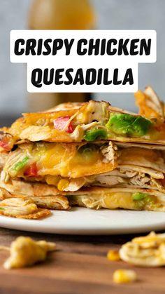 Chicken Quesadillas, Chicken Quesadilla Recipes, Best Quesadilla Recipe, Healthy Quesadilla, Cooked Chicken Recipes, Mexican Chicken Recipes, Chicken Burritos, Mexican Dinner Recipes, Mexican Dishes