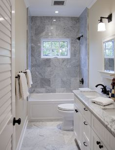 Small Bathroom Design Ideas Blending Functionality and Style Narrow bathroom benefits from shower window to break up the space and provide fresh air.Narrow bathroom benefits from shower window to break up the space and provide fresh air. Bathroom Tub Shower, Window In Shower, Tub Shower Combo, Master Bathroom, Bathroom Beach, Budget Bathroom, Windows In Bathroom, Bathroom Remodel Small, Bathroom Laundry
