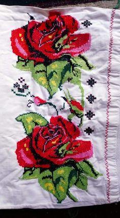 Flora, Embroidery, Treadmills, Cross Stitch Art, Herb, Towel, Cross Stitch Embroidery, Bath, Bugle Beads