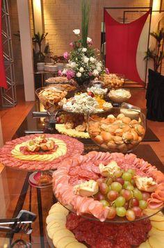 mesas de queijos e vinhos