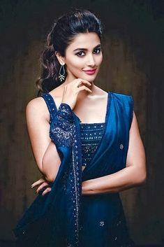 blue saree hd wallpaper of pooja hegde Indian Bollywood Actress, Bollywood Girls, Beautiful Bollywood Actress, South Indian Actress, Bollywood Fashion, Beautiful Actresses, Indian Actresses, Beautiful Girl Photo, Beautiful Girl Indian